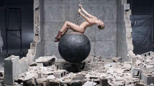 """Let's talk about: Miley und die Sache mit dem """"Wrecking Ball"""""""